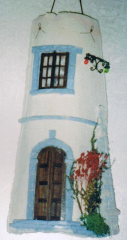 Tegola in rilievo, facciata caratteristica Isole Eolie