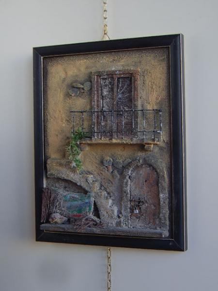 quadro in rilievo, facciata antica
