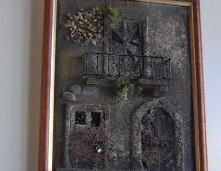 Quadro in rilievo, facciata rovinata, abbandonata