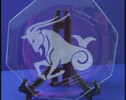 Incisione su vetro di un segno zodiacale, Capricorno