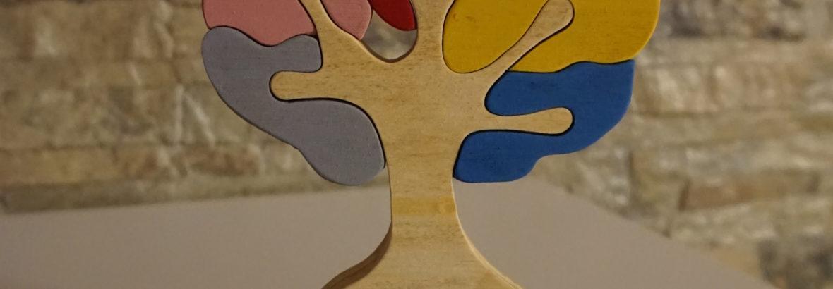 Albero della Vita in legno. Incastro multicolore realizzato al traforo.