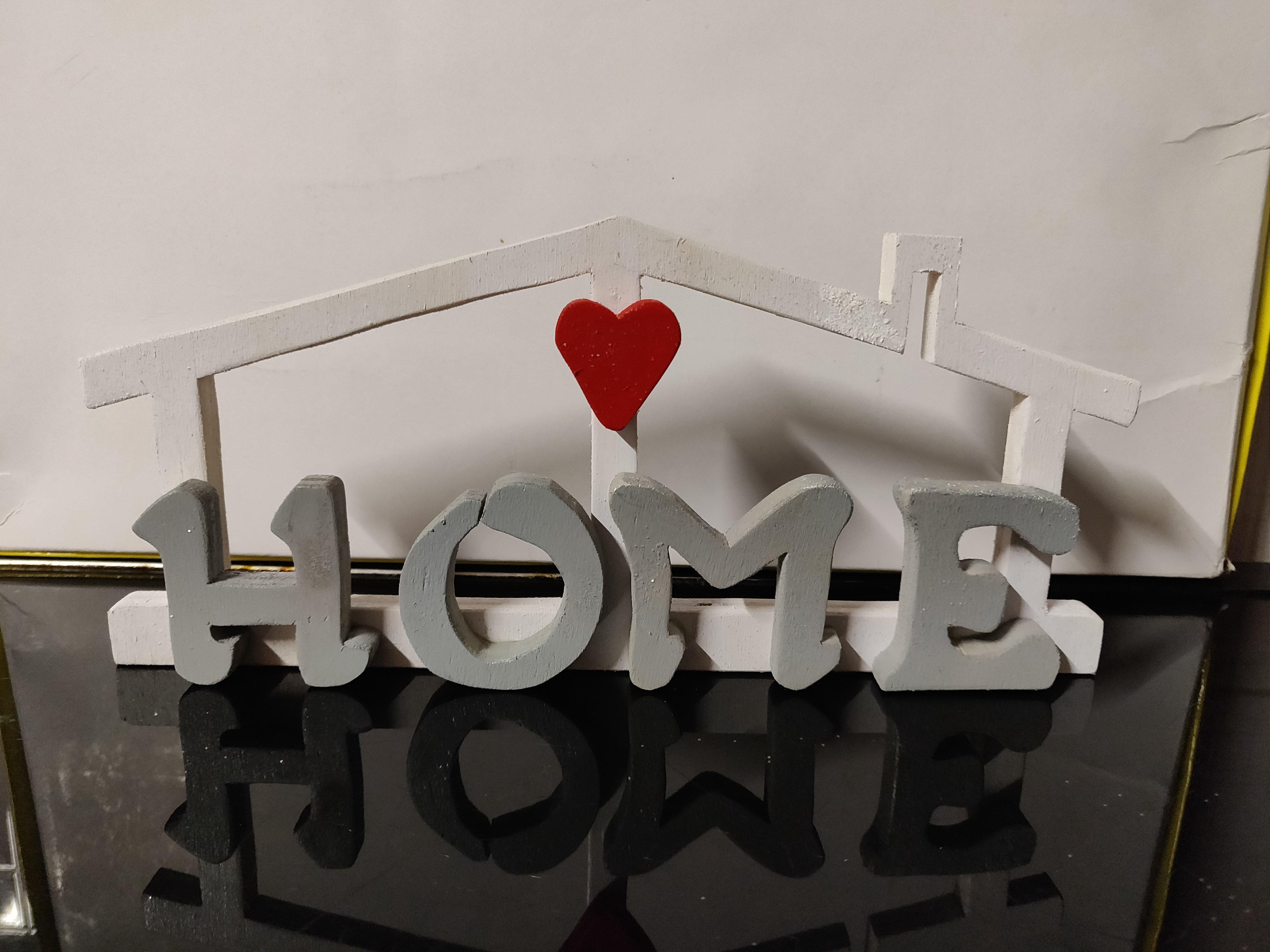 Scritta in legno home realizzata al traforo for Scritta home in legno