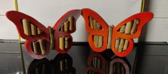 Farfalle in legno, realizzate al traforo.