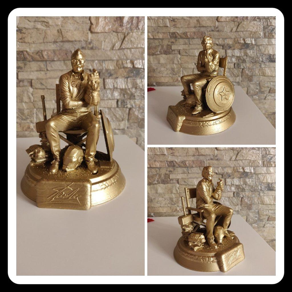 Riproduzione statua tributo per Stan Lee