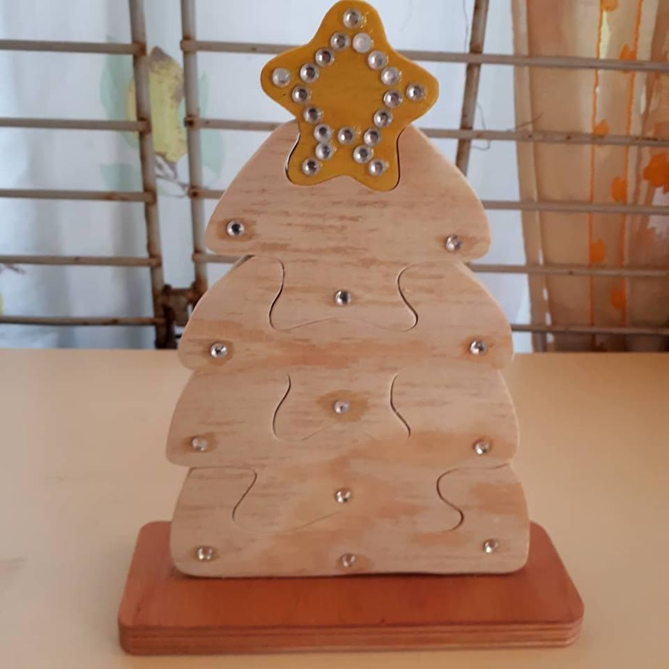 Albero di Natale Stilizzato ad Intreccio in Legno