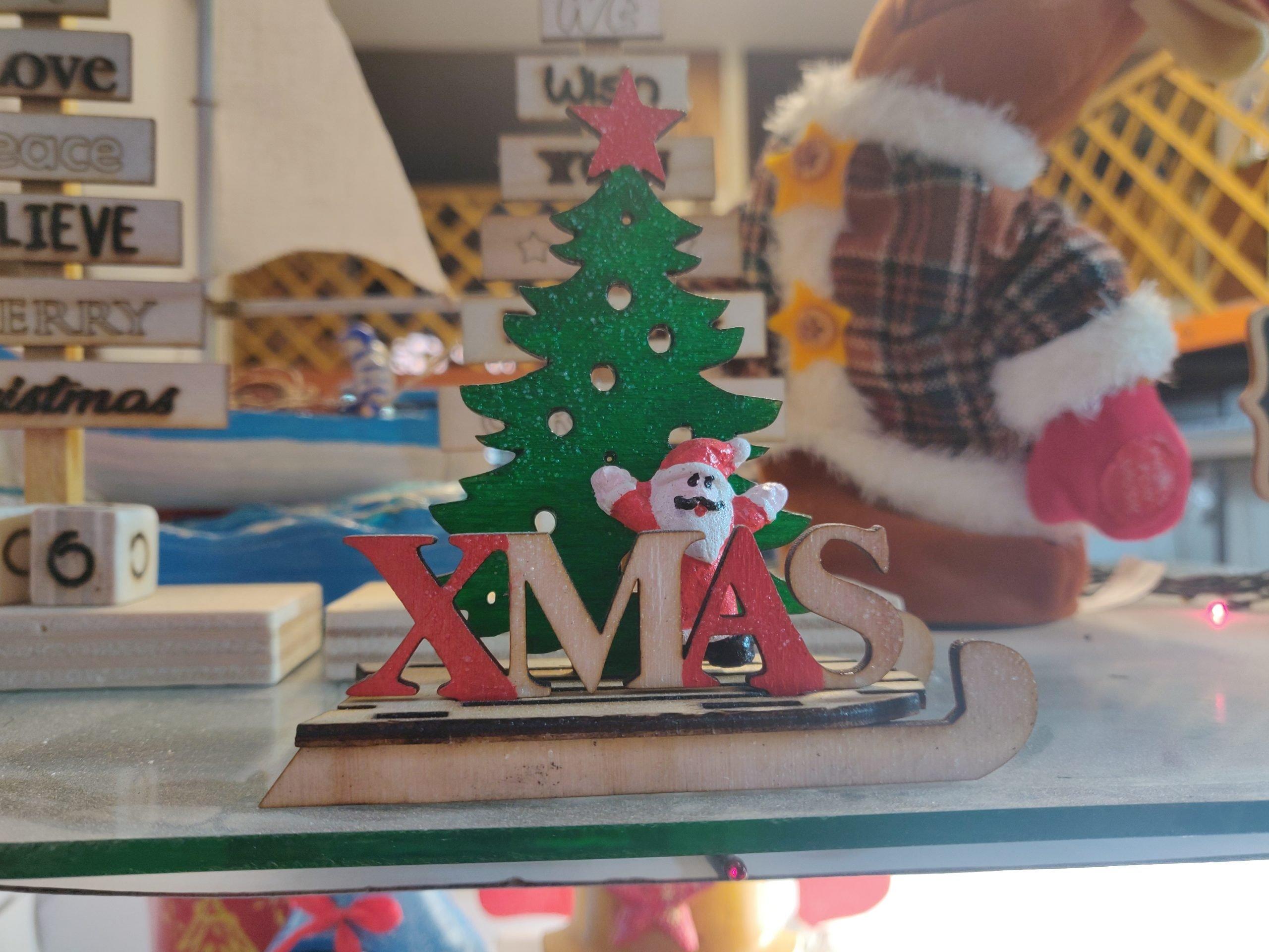 Slitta XMAS con Albero di Natale e Babbo Natale in Legno