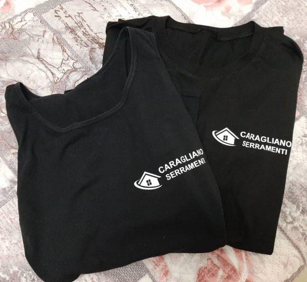 t-shirt personalizzato con logo